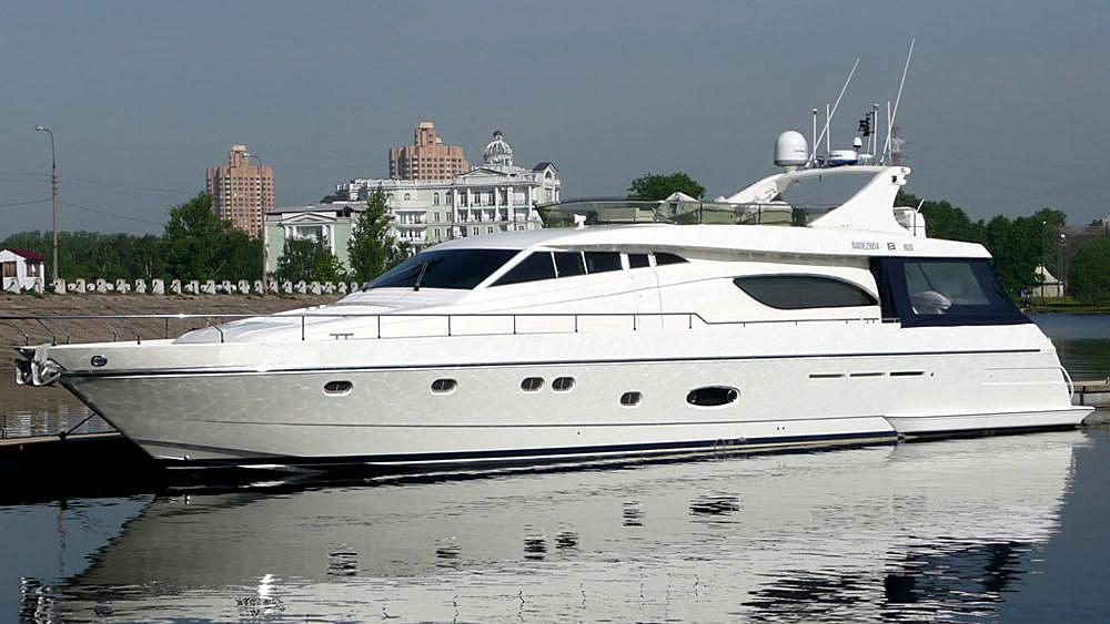 Аренда яхты Феретти 72