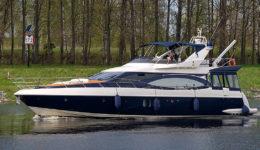 Аренда яхты Азимут 68